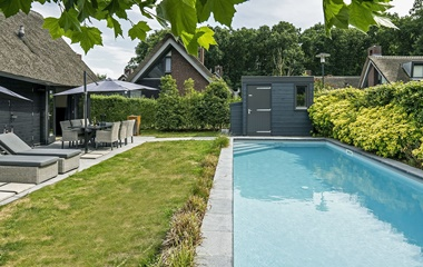 Type: holiday home with pool